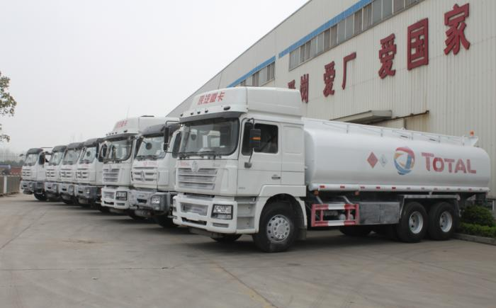 SHACMAN F3000 25000 Liters Fuel Tanker Trucks